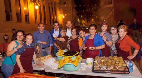 El barrio de la Creu de Mislata celebró la festividad de las Cruces de Mayo