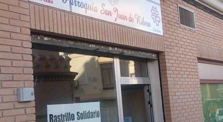 Ciudadanos Burjassot entrega a Cáritas una docena de cajas de ropa