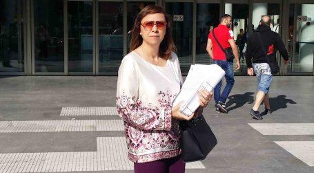 La alcaldesa de Paterna entrega en los juzgados la documentación de DLP y anuncia acciones penales contra Sagredo