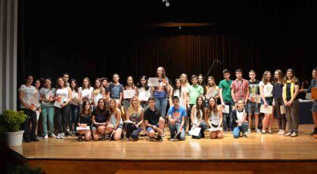 Moncada entrega los premios de literatura en valenciano 'Sambori'