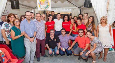 Mislata inaugura en la Plaza Mayor su feria de fiestas