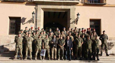 Paterna recibe la visita de medio centenar de militares de la OTAN
