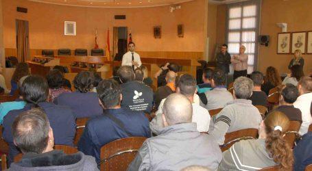 42 desempleados de Paterna empiezan a trabajar para diferentes departamentos del Ayuntamiento