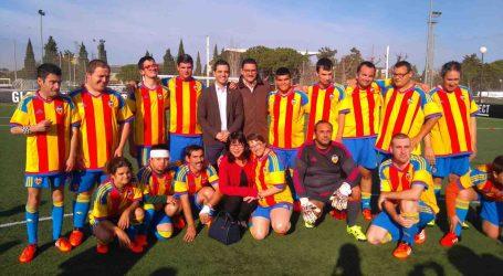 El alcalde de Paterna visita las instalaciones de la Ciudad Deportiva de Paterna junto a Layhoon Chan