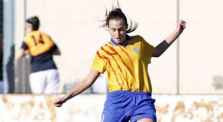 Primers entrenaments de les seleccions valencianes femenines de futbol a Paiporta