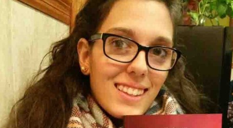La joven vecina de Alfafar Nerea Romero publica su primera obra 'Viviendo con mi exnovio'