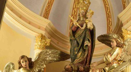 'Amics de Sant Roc' restaura el camarín de la patrona de Burjassot