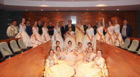 Les Falleres Majors de Torrent visiten l'Ajuntament