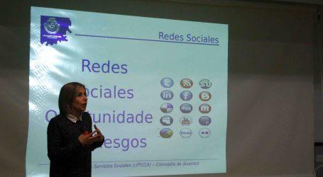 Manises realitza un curs sobre l'ús responsable d'Internet i les xarxes socials