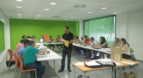 15 associacions de Xirivella participen en el taller d'obligacions documentals