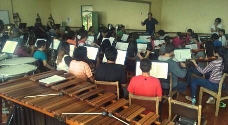 El director de la Unió Musical d'Alaquàs dirigeix per uns dies l'orquesta sinfònica Julio Fonseca a Costa Rica