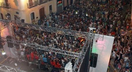 8000 persones disfruten de les disfresses de Rafelbunyol sense incidents