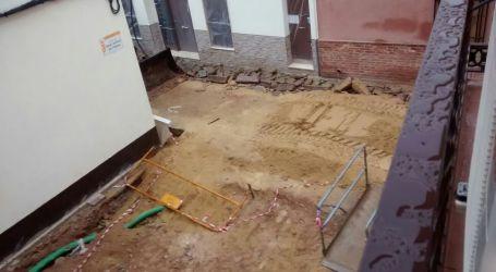 Los vecinos denuncian la lentitud de las obras en tres calles del centro histórico de Torrent