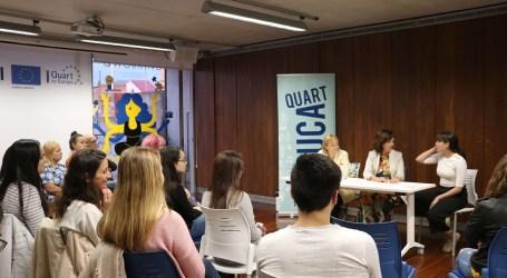 Quart de Poblet entrega las becas municipales a 23 estudiantes universitarios y de máster