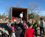 Asivalco completó su campaña solidaria con la entrega de alimentos y juguetes