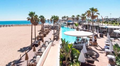 Marina Beach Club Valencia pretende que ningún niño se quede sin juguete estas Navidades