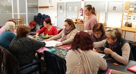 El taller d'estimulació de la memòria de Rafelbunyol celebra el Nadal