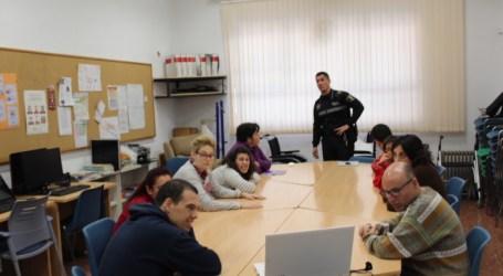 Los usuarios y usuarias del Centro Ocupacional de Quart de Poblet comienzan un curso de seguridad vial