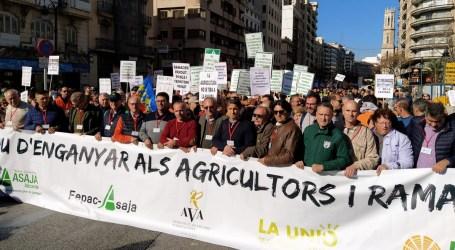 Agricultores y ganaderos claman por precios justos y vivir de su profesión
