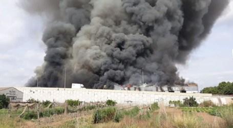 Incendi industrial a Aldaia