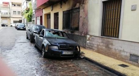 Incendien de matinada sis vehicles a Catarroja