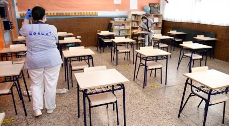 Les escoles de Paiporta incorporen huit persones de neteja de forma permanent per a tot el curs escolar