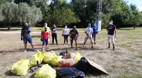 Voluntarios y voluntarias de Quart de Poblet retiran 130 kg de residuos del río Turia a su paso por el municipio