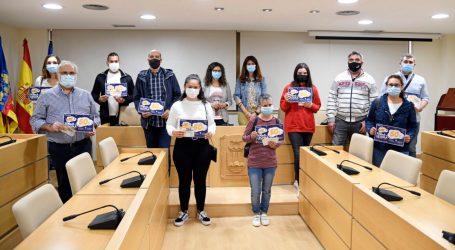 Paiporta entrega els 10 xecs de la campanya 'Torna a l'escola amb el comerç de Paiporta'