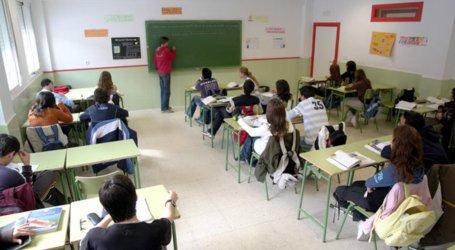 Padres y alumnos de segundo de bachillerato luchan por tener clase todos los días
