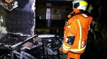 Incendi d'una vivenda a Alaquàs, al carrer Santísima Cruz