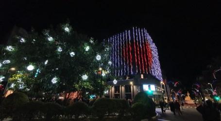 Los alumnos del IES La Marxadella volverán a iluminar la fachada del Ayuntamiento estas fiestas navideñas