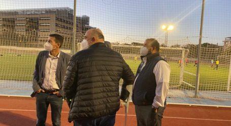 El campo de fútbol del Polideportivo de Burjassot ya cuenta con el nuevo alumbrado
