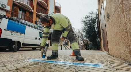 Paterna refuerza la seguridad en sus ambulatorios con marcas de distancia y Protección Civil en sus accesos