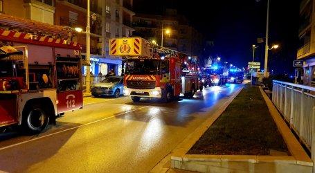 Asistida una mujer por inhalación de humo en un incendio de una vivienda en Alboraia