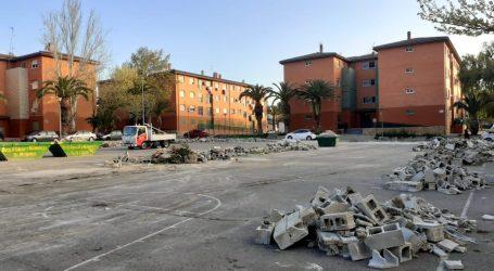 Paterna derriba el muro de la Plaza de La Yesa de La Coma