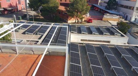 Paterna reducirá en 90 toneladas las emisiones de CO2 tras poner en marcha cinco plantas fotovoltaicas en centros educativos de la ciudad
