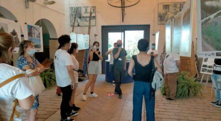 Los participantes del concurso World Paella Day visitan el Museo de l'Horta de Almàssera