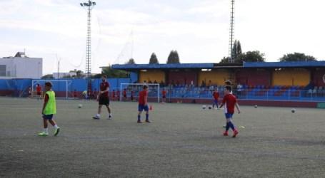 Nuevas gradas más amplias y accesibles en el campo de fútbol municipal de Albal