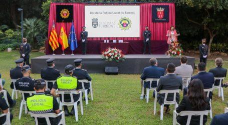 Torrent conmemora el Día de la Policía Local en un acto de entrega de distinciones y felicitaciones