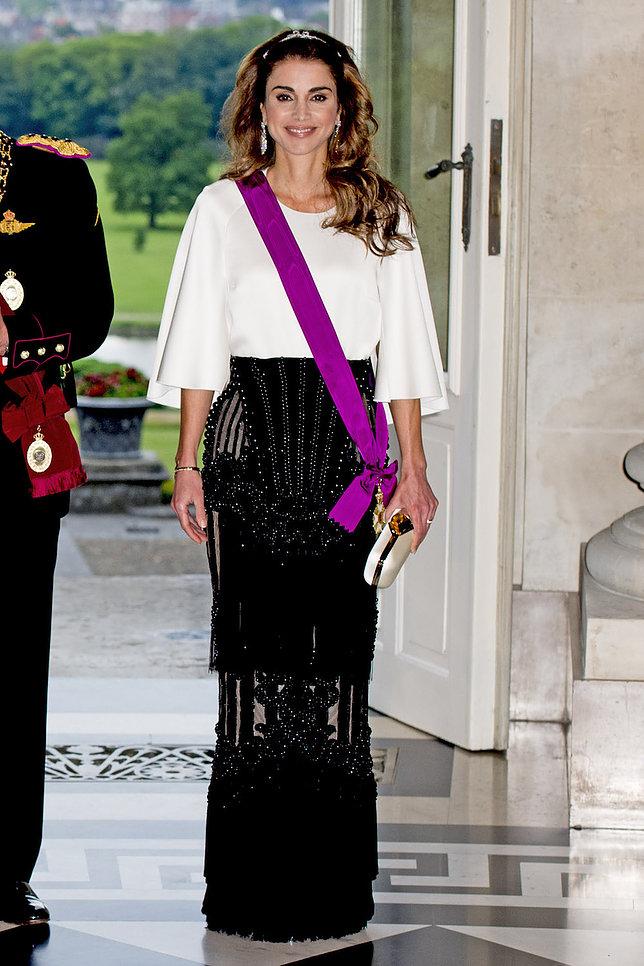 الملكة رانيا العبد الله 4 - موقع المصطبة