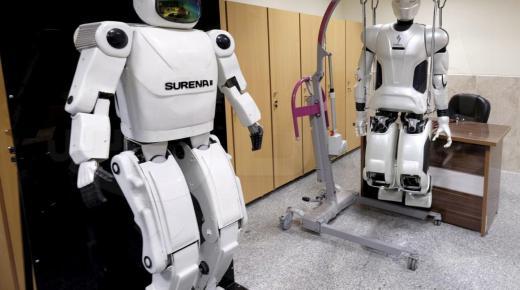 ماذا تعرف عن استخدامات الإنسان الآلي ؟