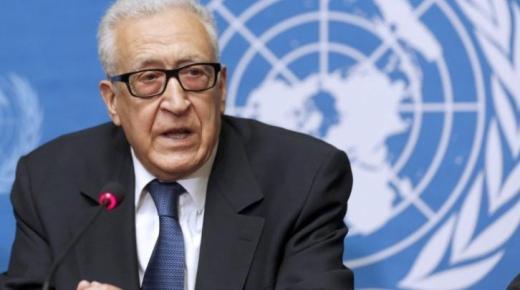 الدبلوماسي الجزائري الأخضر الإبراهيمي
