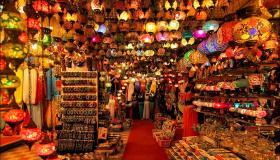 ماذا تعرف عن السوق الكبير فى دبي
