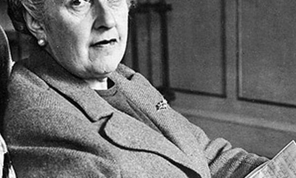 قصة حياة وتاريخ الكاتبة أجاثا كريستي وأهم اعمالها