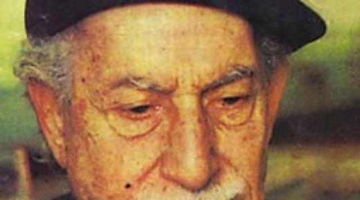 قصة حياة الكاتب توفيق الحكيم وأهم أعماله