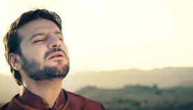 قصة حياة المنشد سامي يوسف وأهم اعماله