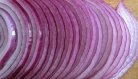 طريقة حفظ البصل المفروم