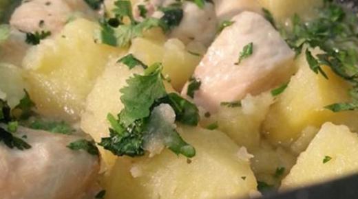 طريقة عمل يخنة البطاطس باللحم وبالدجاج ومقادير سهلة