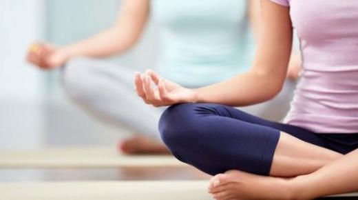 كيفية ممارسة رياضة اليوغا وفوائدها
