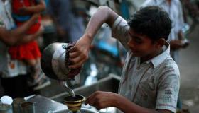 مشروع بيع الشاي والمشروبات الساخنة في المناطق التجارية